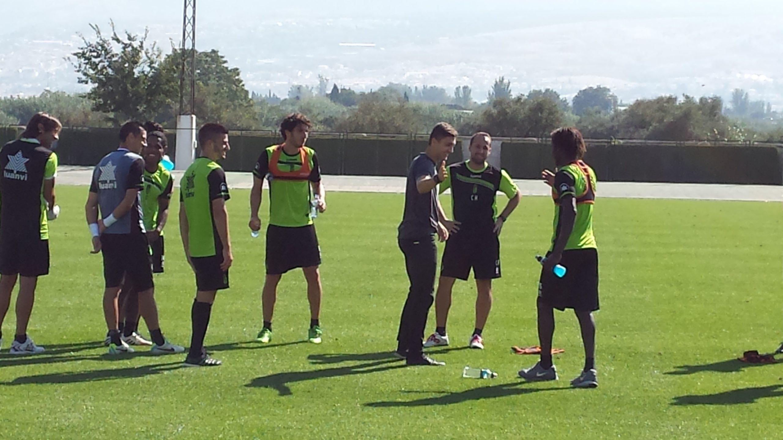 Entrenamiento Granada CF visita Siqueira