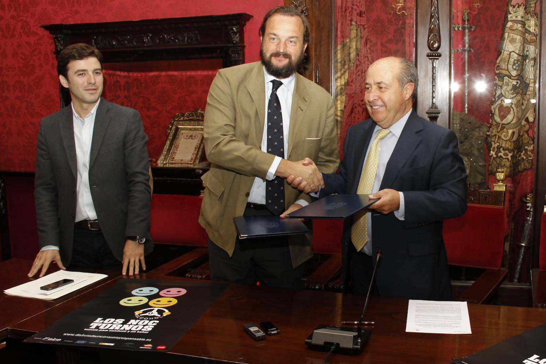 Alcalde firma el programa 'Los Noc-Turnos 02
