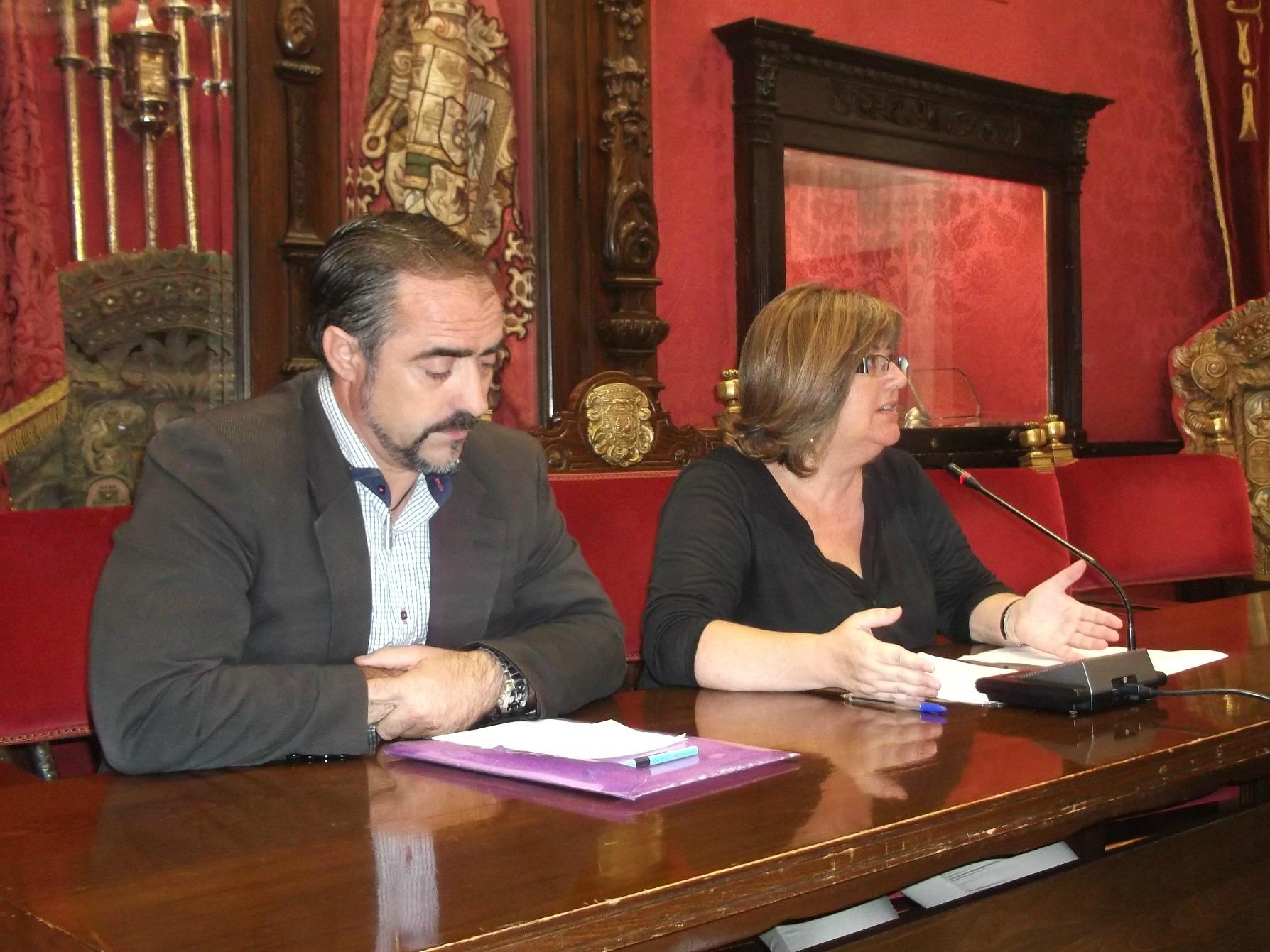Ana Muñoz y Alfonso Arias en rueda de prensa