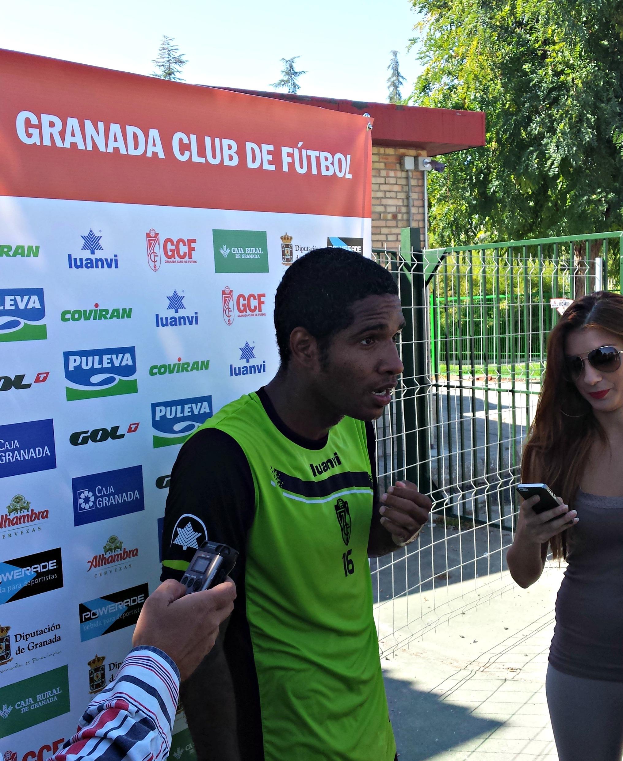 Granada CF Brayan Angulo