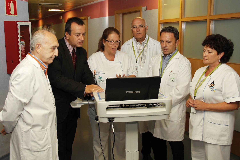 Higinio Almagro presenta nuevo equipamiento Hospital Virgen de las Nieves 02