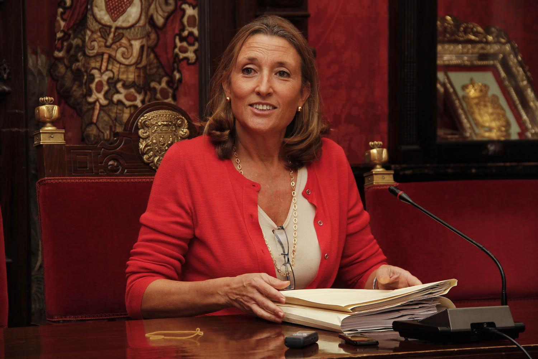 Isabel Nieto, informa sobre los asuntos del área de Urbanismo 01