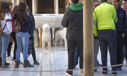Alhambra turistas 02