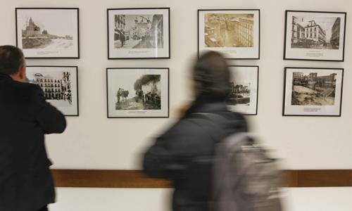 Exposición de fotografias antiguas en el Centro Civico del Zaidin