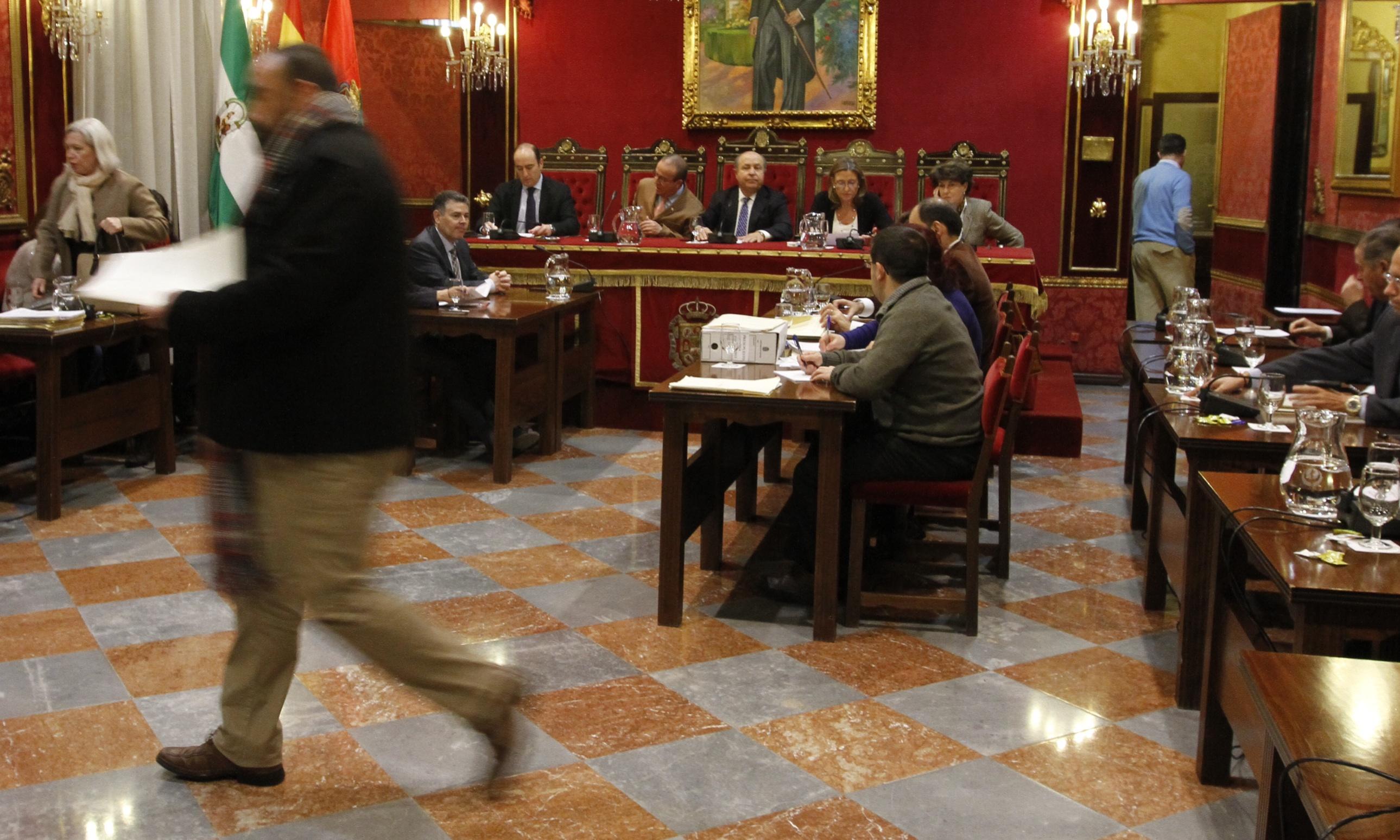 Ayuntamiento de Granada celebra pleno extraordinario para presupuesto municipal ejercicio 2014 _01