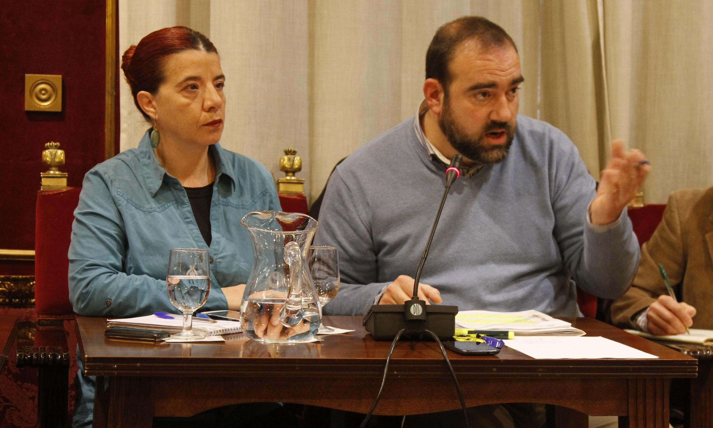 Ayuntamiento de Granada celebra pleno extraordinario para presupuesto municipal ejercicio 2014 - izquierda unida puentedura