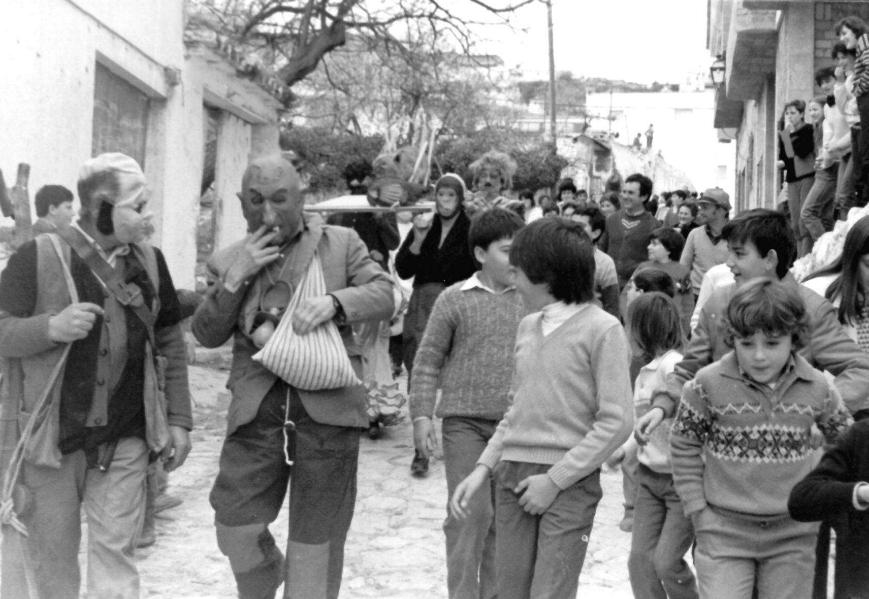 Entierro de la zorra_Fotografía extraída del libro editado por el Ayuntamiento 'Imagen de un pueblo'