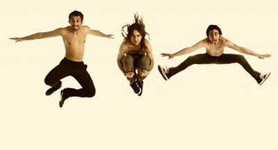 The-Dry-Mouths-jumping-1024x554