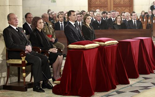 Familia Real entierro Suarez