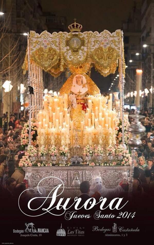 María Santísima de la Aurora Coronada en la Gran Via. Fotografía de Manuel Lirola.