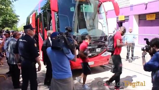 REcibimiento bus Granada CF