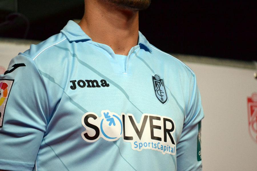 Presentación Camiseta 14-15 25 Fran Rico detalle