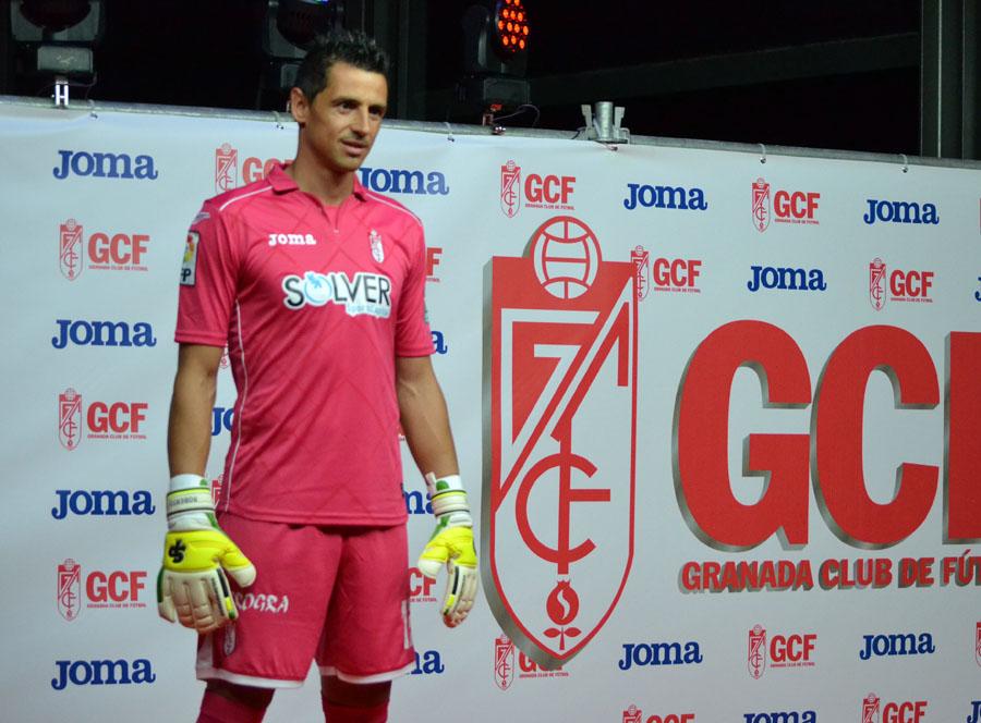 Presentación Camiseta 14-15 16 Roberto
