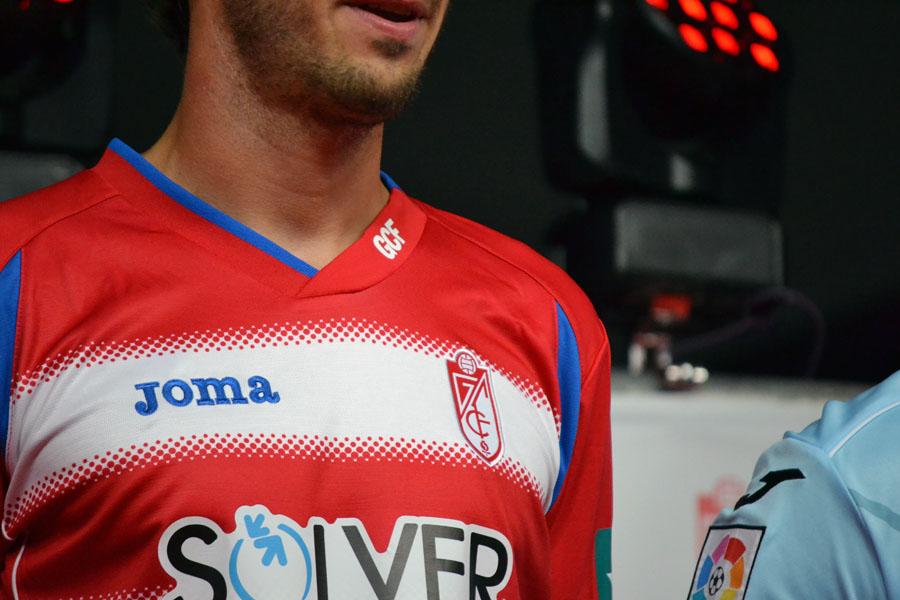 Presentación Camiseta 14-15 22 Mainz detalle