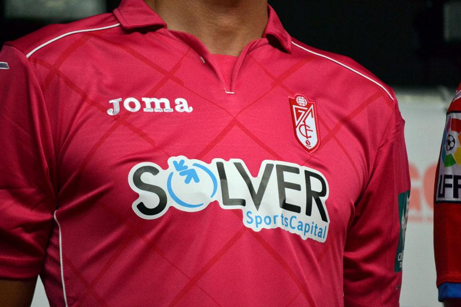 Presentación Camiseta 14-15 24 Roberto Detalle