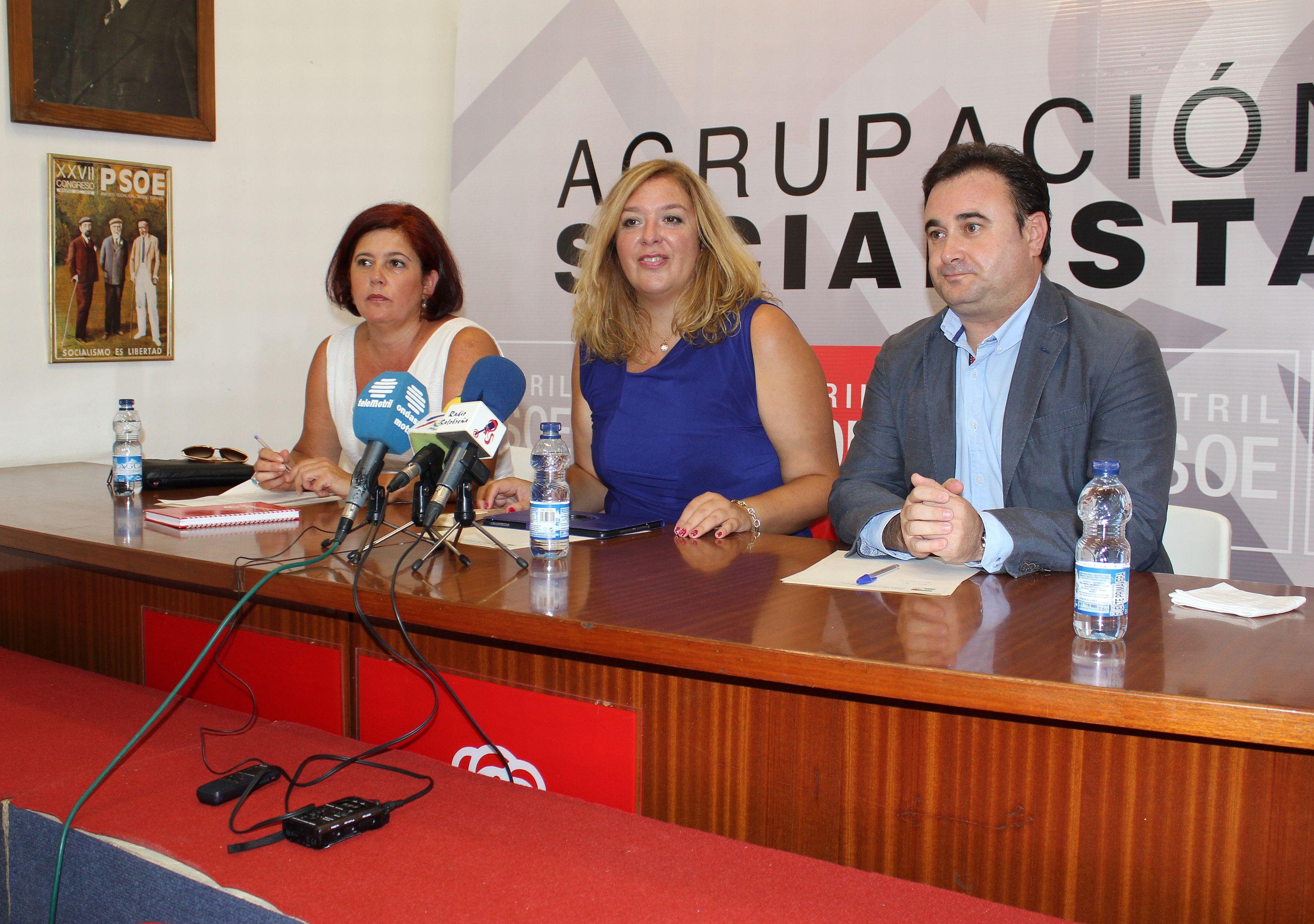 Elvira Ramón (izq), Flor Almón y Gonzalo Fernández Pulido en rueda de prensa