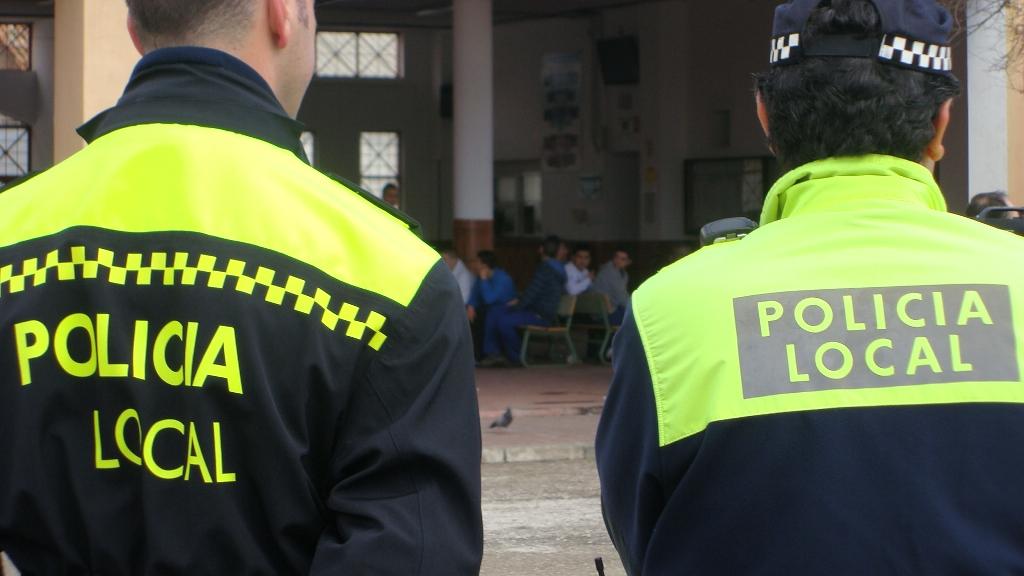 policia-empresario