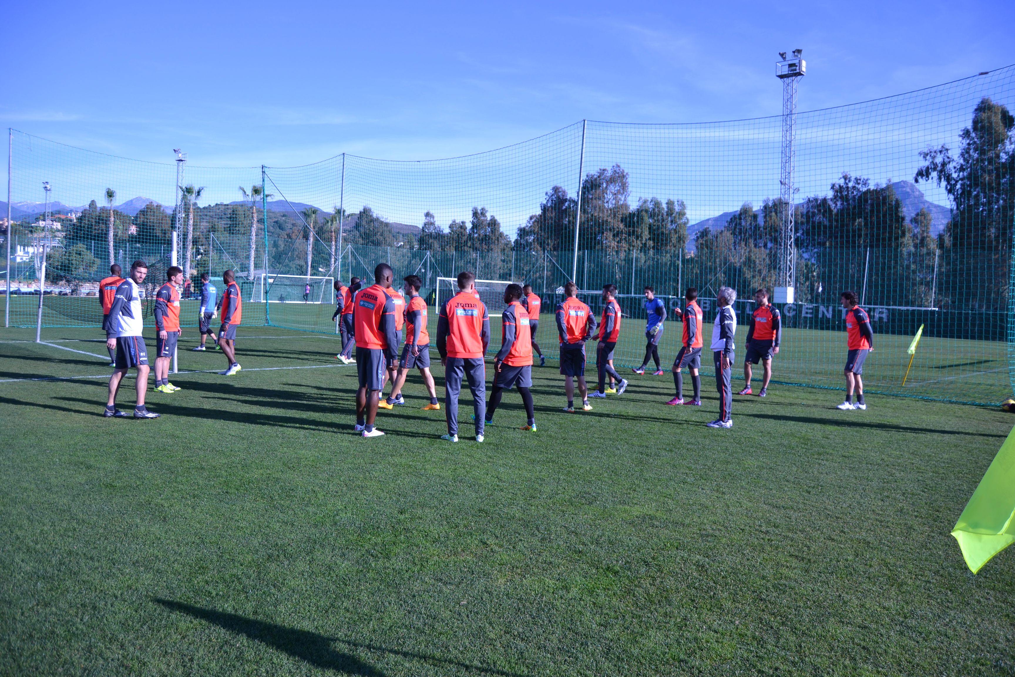 Entrenamiento del Granada CF en el Marbella Football Center