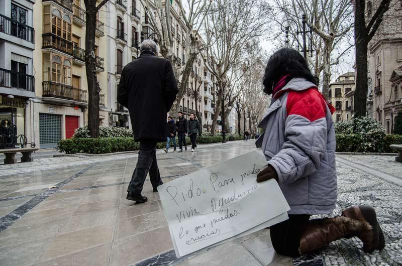 Gente-pidiendo - pobreza