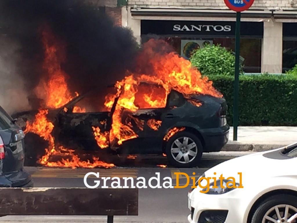 Incendio coche marca 2