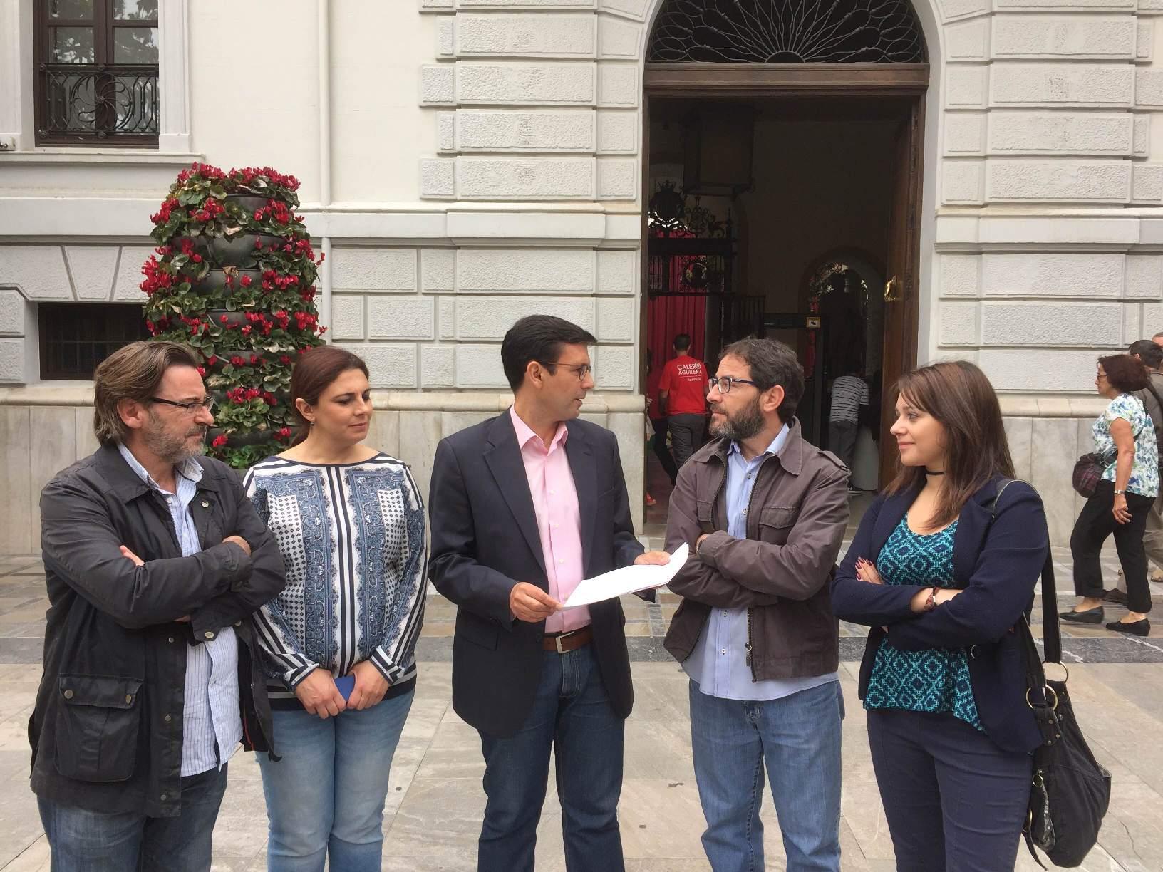 Cuenca, junto a miembros de su candidatura presentan el compromiso por la transparencia