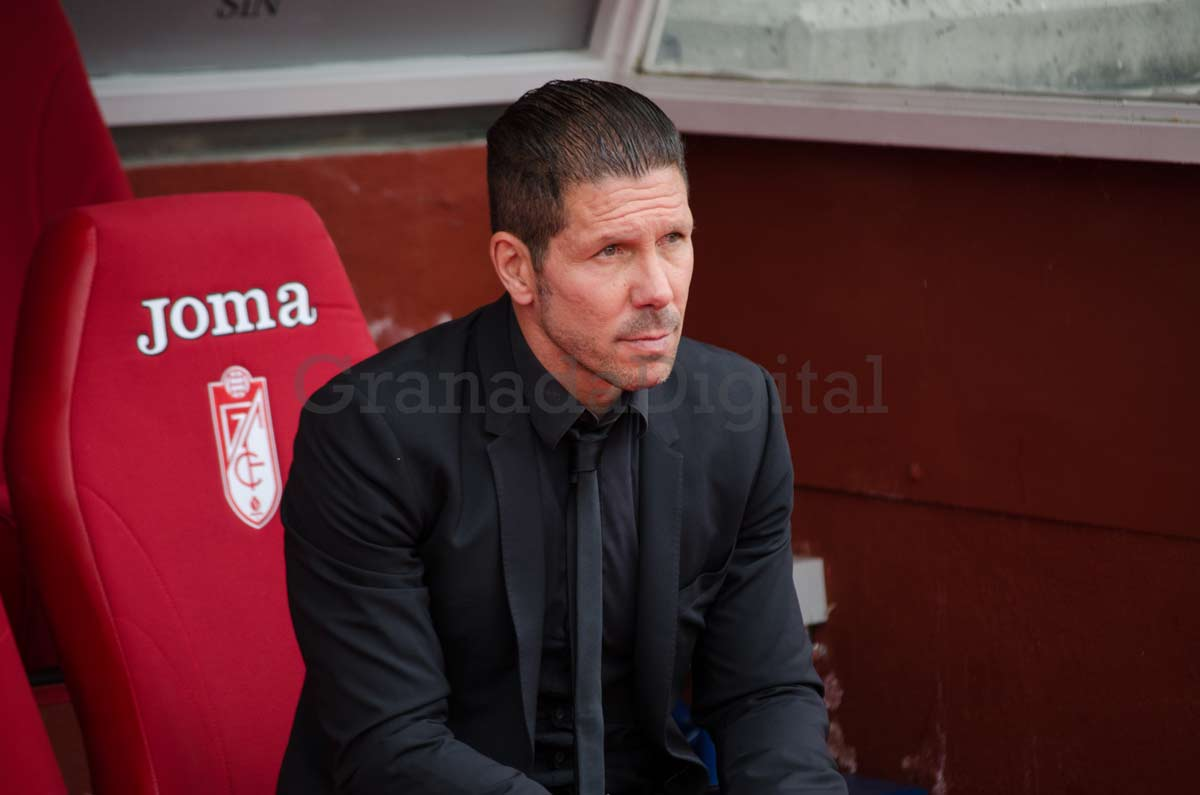 Granada-At (16)-simeone-banquillo