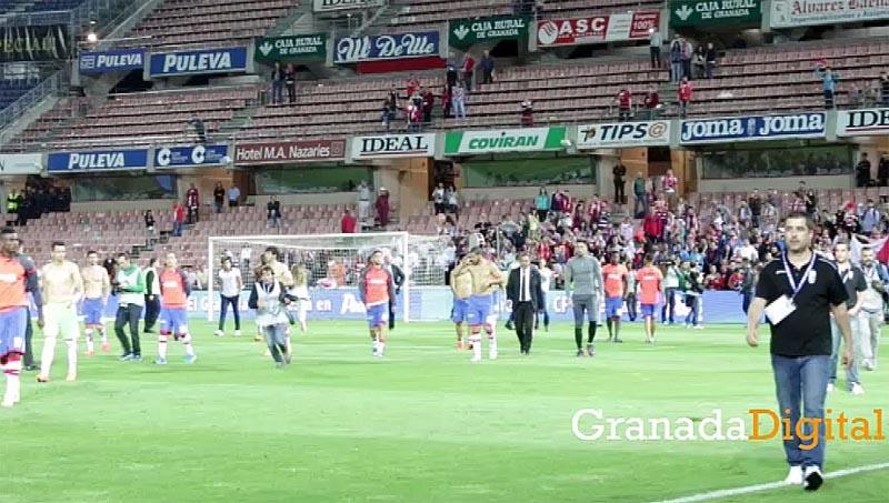 Granada-CF-Espanyol-jugadores-salen-a-cesped