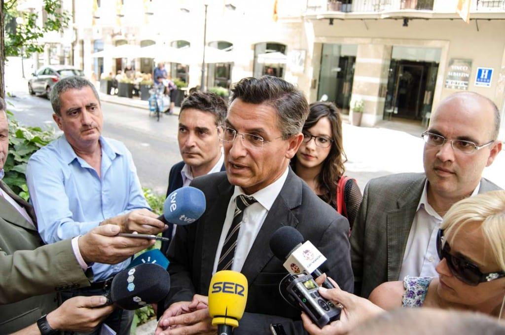 Reunión-PSOE-Ciudadanos-(169-de-204)