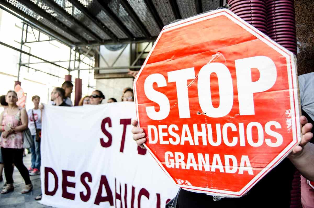 Stop-Deshaucios-(2)