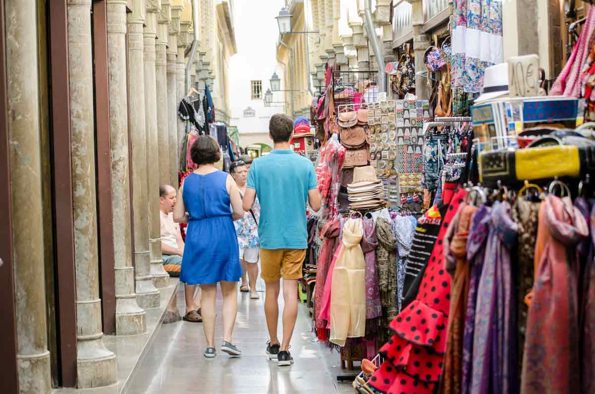 Turismo-Turistas-Alcaicería
