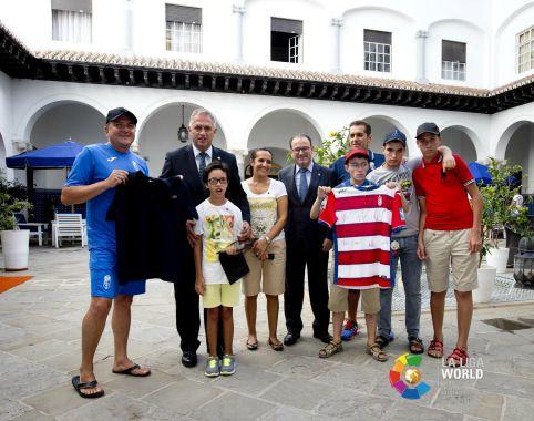 GRANADA CF ENCUENTRO EN LA EMBAJADA DE ESPAÑA (1)