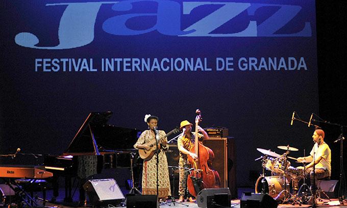 Carmen-Souza-Festival-Jazz-Granada-2015-Gabinete