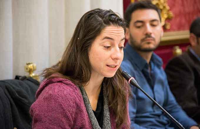 Marta-Gutierrez-Podemos-Pleno-Noviembre-2015-GetlyArce