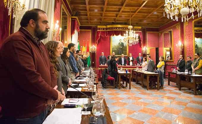 Minuto-Silencio-Pleno-Ayuntamiento-GetlyArce