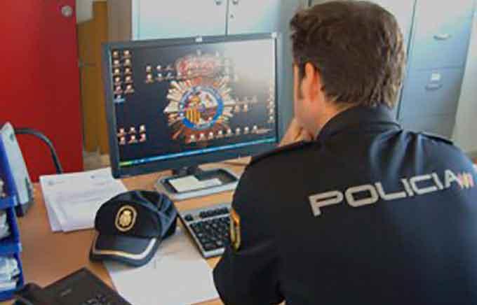 Policia-Escritorio