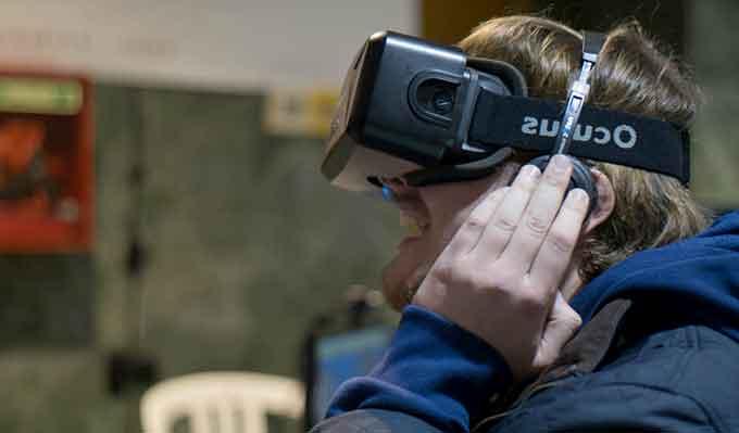 Realidad-Virtual-Granada-Gaming-Festival-2014-Gabinete