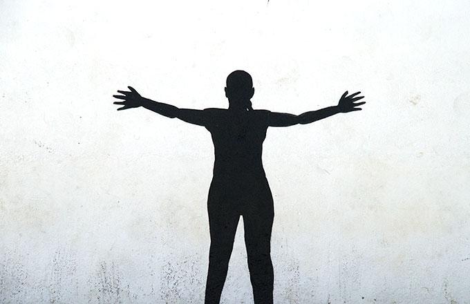 Silueta-chica-negro-blanco-GetlyArce