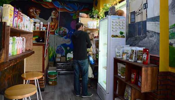 Tienda-Productos-Veganos-Restaurante-Hicuri-GetlyArce