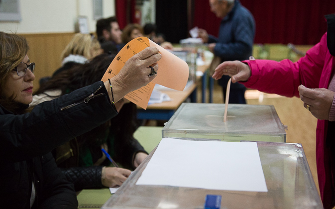 20D Elecciones Generales Urnas Votación Votos -18