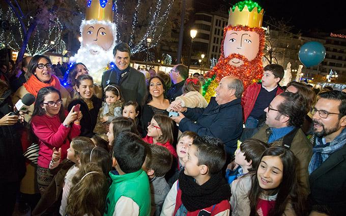 Alumbrado-Navidad-Granada-Encendido-La-Moneta-2015-GetlyArce
