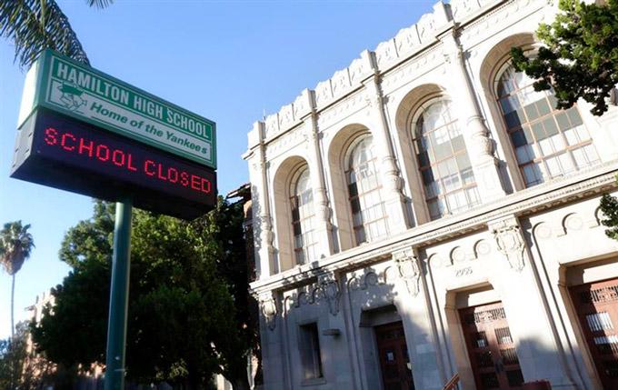 Escuela-Los-Angeles-Cerrada-EEUU-EP