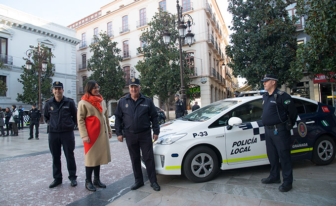 Maria-Frances-Nuevos-Vehiculos-Policia-Local-001-GetlyArce