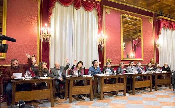 Pleno-Votacion-IU-Podemos-Noviembre-2015-GetlyArce