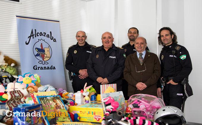 PoliciaLocal-alcazaba-juguetes-caritas