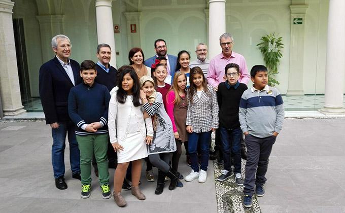 El colegio Miguel Hernández se hace con el premio Acción Magistral junta