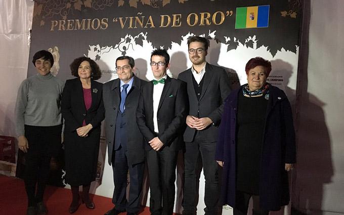 Jose-Entrena-Entrega-Premios-Torvizcon-Gabinete