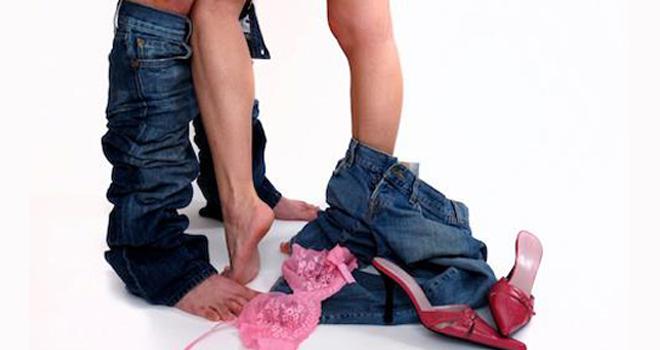 Juegos-eróticos-para-excitar-a-un-hombre