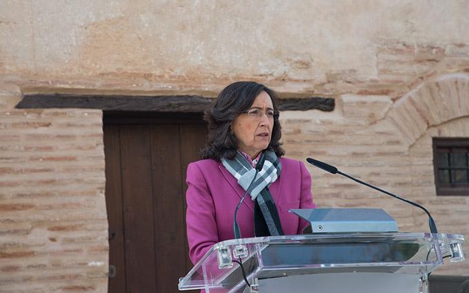 Rosa-Aguilar-Puerta-de-la-Justicia-Alhambra-001-GetlyArce