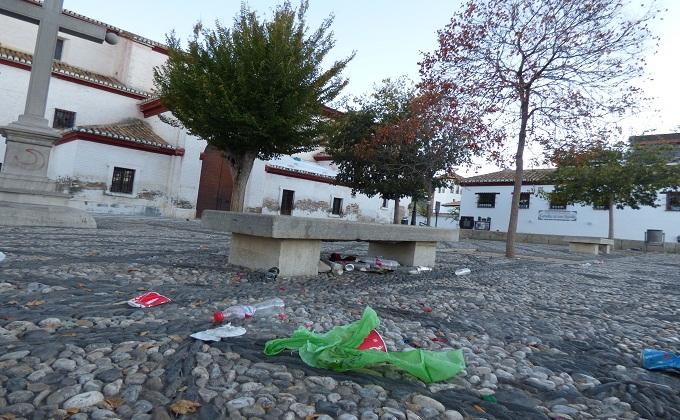 suciedad-albaicin-plaza-san-nicolas