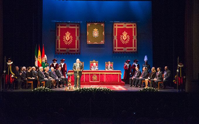 Honores-Y-Distinciones-Ciudad-Granada-000-GetlyArce